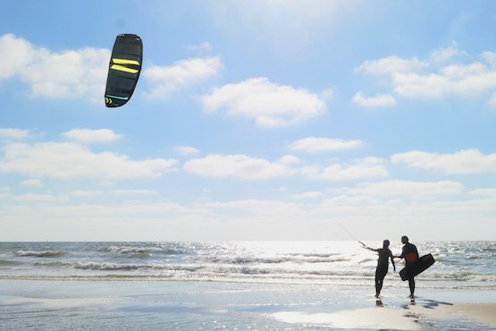 kitesurfen leren bloemendaal